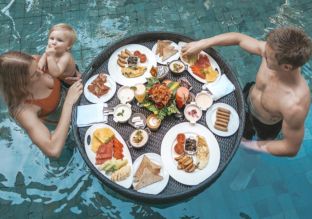 Le Meridien Floating Breakfast - Live Life and Roam