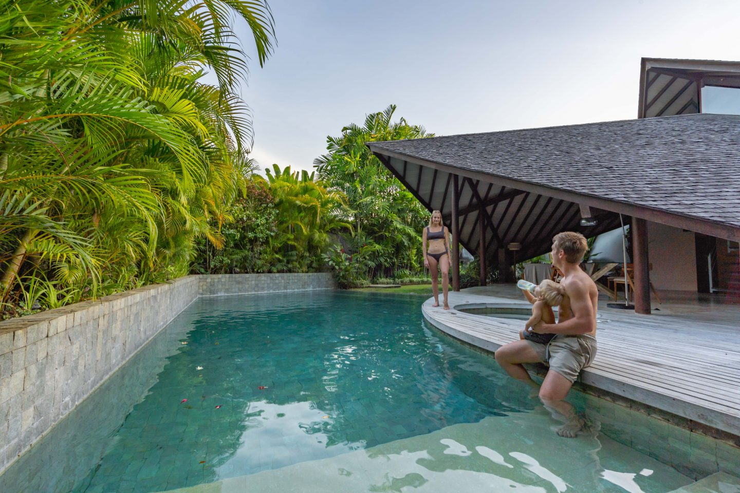 Poolside @ The Layar - Live Life and Roam