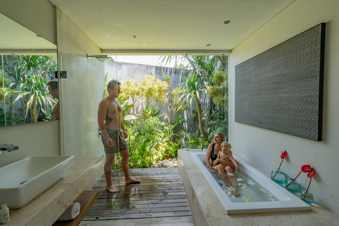 Second Bathroom @ The Layar - Live Life and Roam