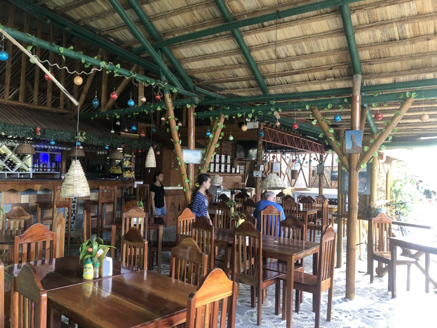 Oasis - Best Food in Port Barton Philippines - Live Life and Roam