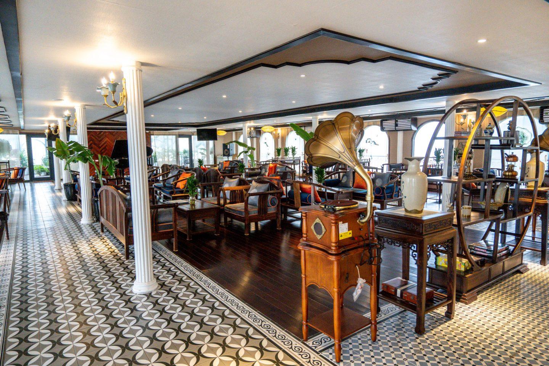Lounge - Indochine Cruise - Lan Ha Bay - Live Life and Roam