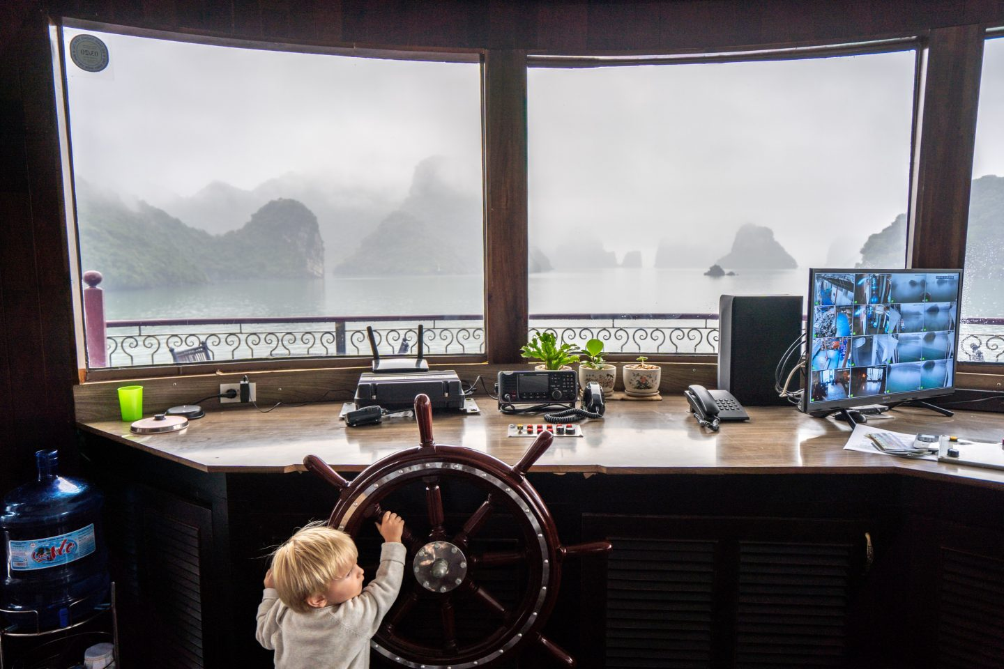 Ollie the captain - Indochine Cruise - Lan Ha Bay - Live Life and Roam