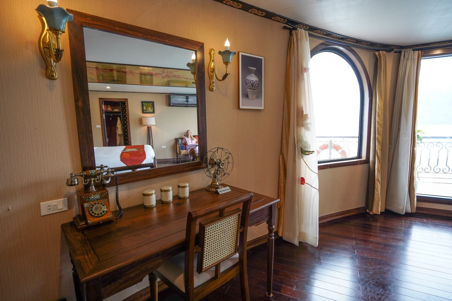 Entrance Cabin - Indochine Cruise - Live Life and Roam