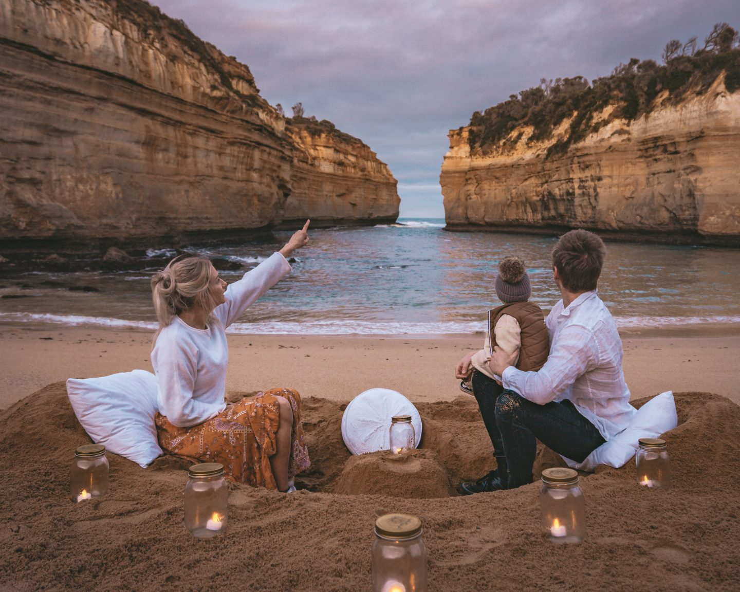 Most Instagrammable Spots on the Great Ocean Road - Loch Ard Gorge *@livelifeandroam