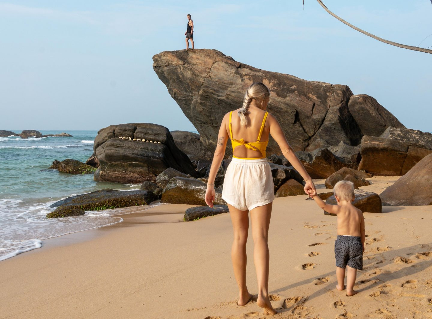 Unawatuna Beach - Traveling Sri Lanka with a toddler